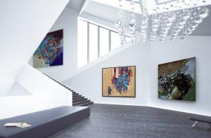 Galerie mit Lichtelementen